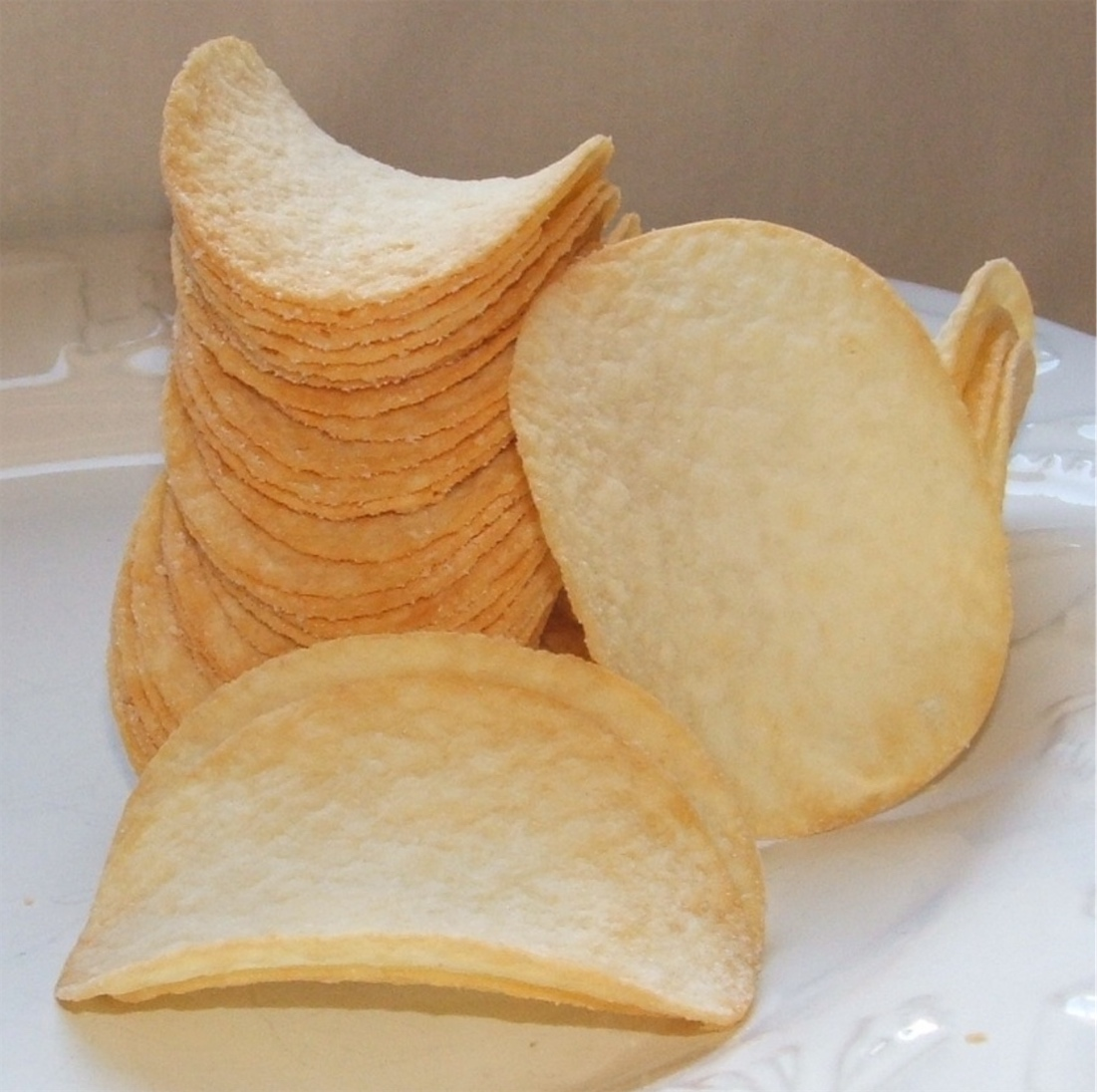 Mathematicians analyze the geometries of the Pringle | Boing Boing