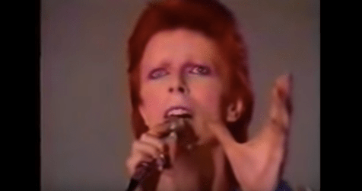 David Bowie, a lad insane, becomes Aladdin Sane | Boing Boing