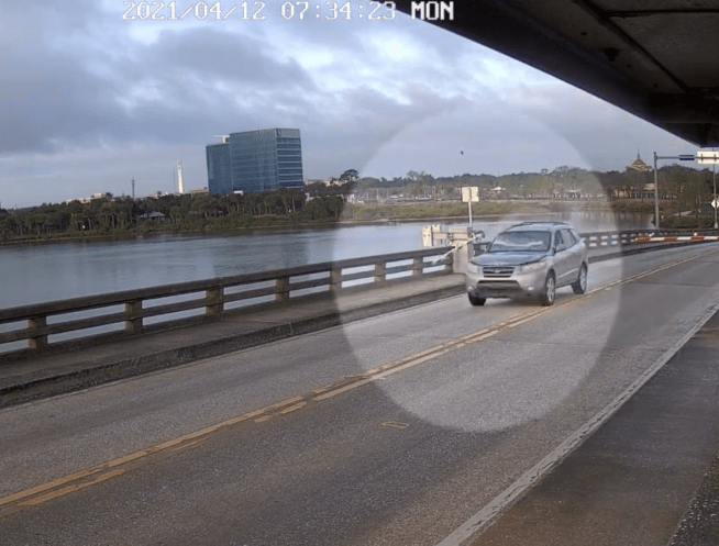 Impatient Florida driver blasts through gate, jumps car over opening drawbridge | Boing Boing
