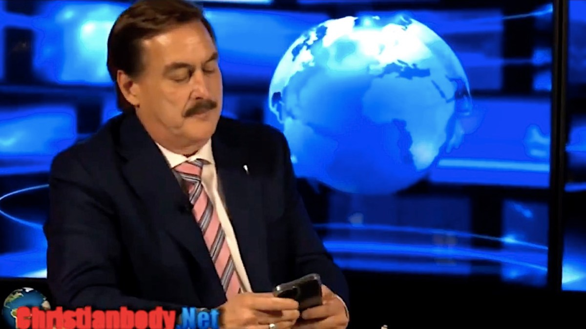 The MyPillow guy gets duped with a prank phone call, thinking it's Donald Trump | Boing Boing