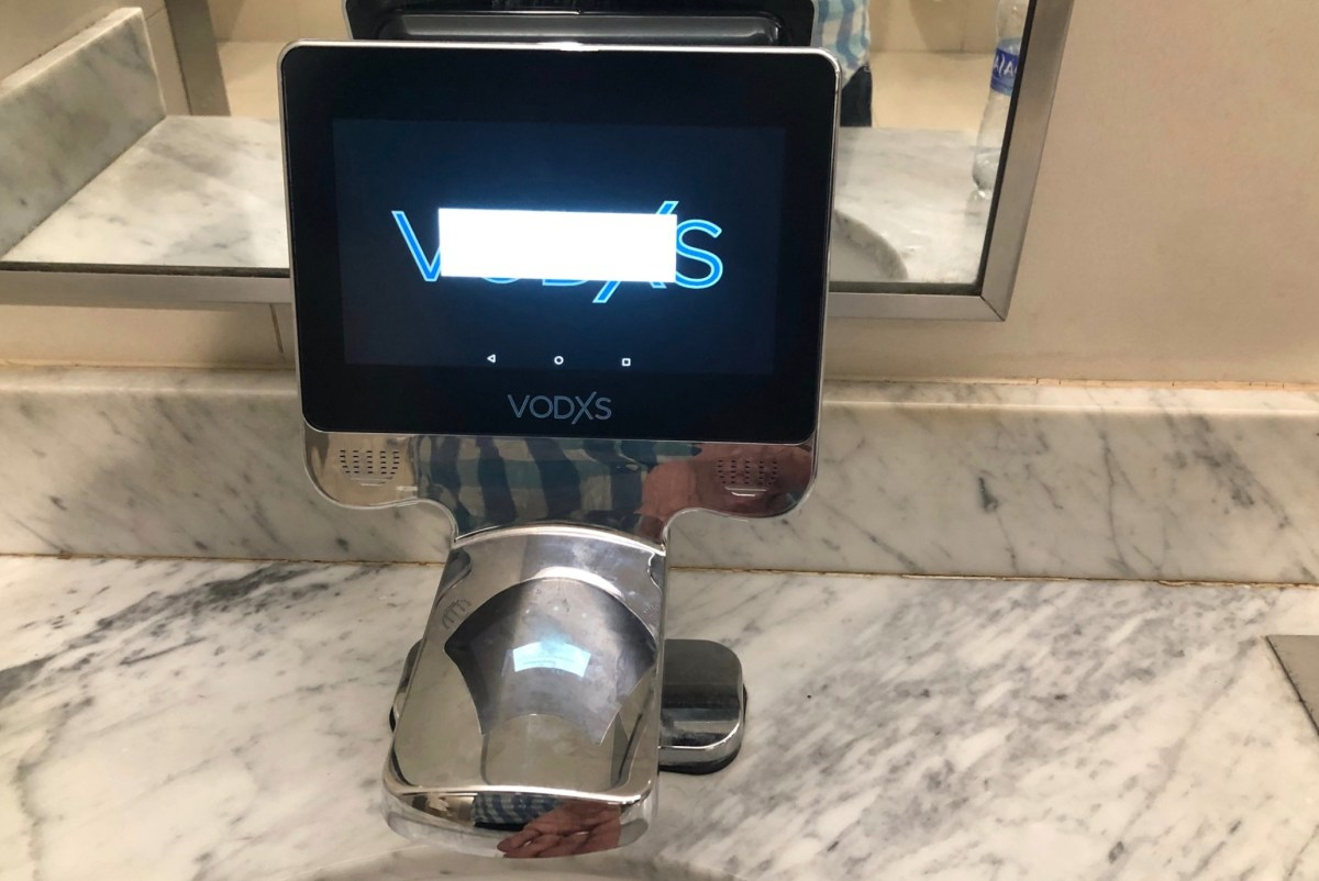 Touchscreen replaces handle in bathroom faucet — what could go wrong? | Boing Boing