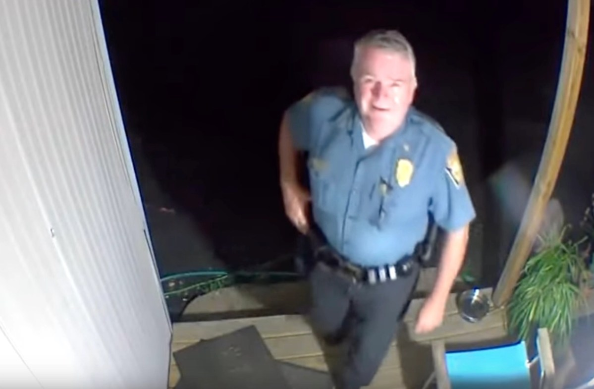 14 second clip shows why no-one can trust cops | Boing Boing