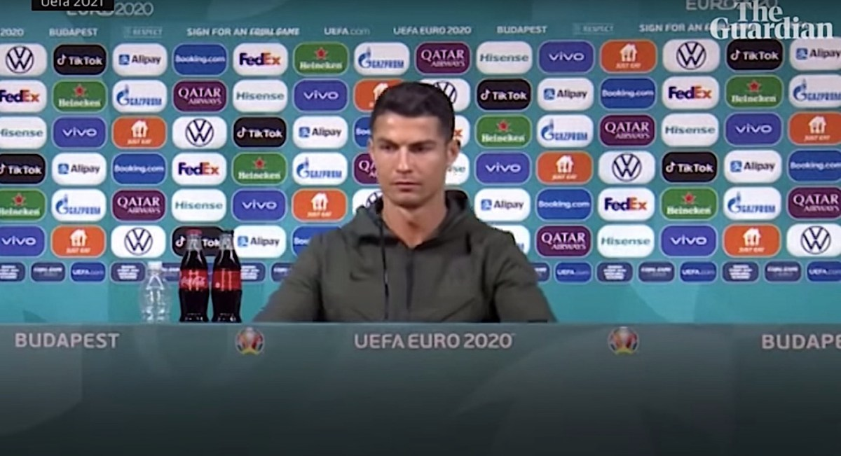 Watch: Coca-Cola lost $4 billion after this simple act by soccer's Cristiano Ronaldo | Boing Boing