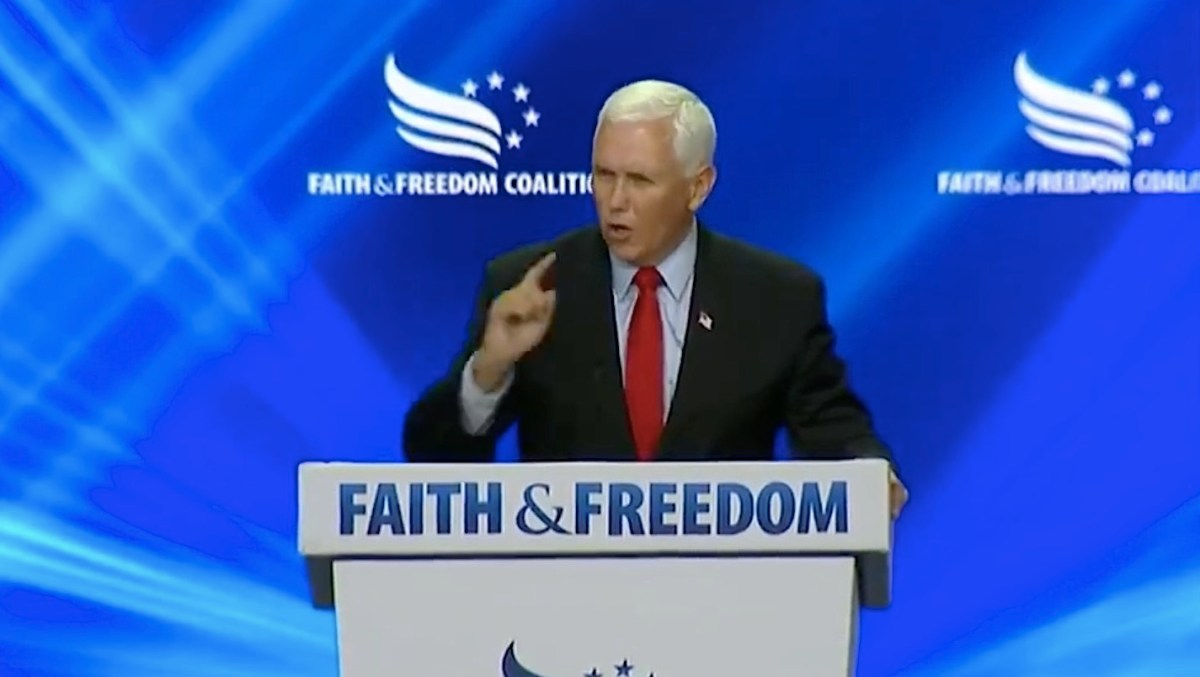 """Watch Mike Pence speak over hecklers as they shout """"traitor!""""   Boing Boing"""