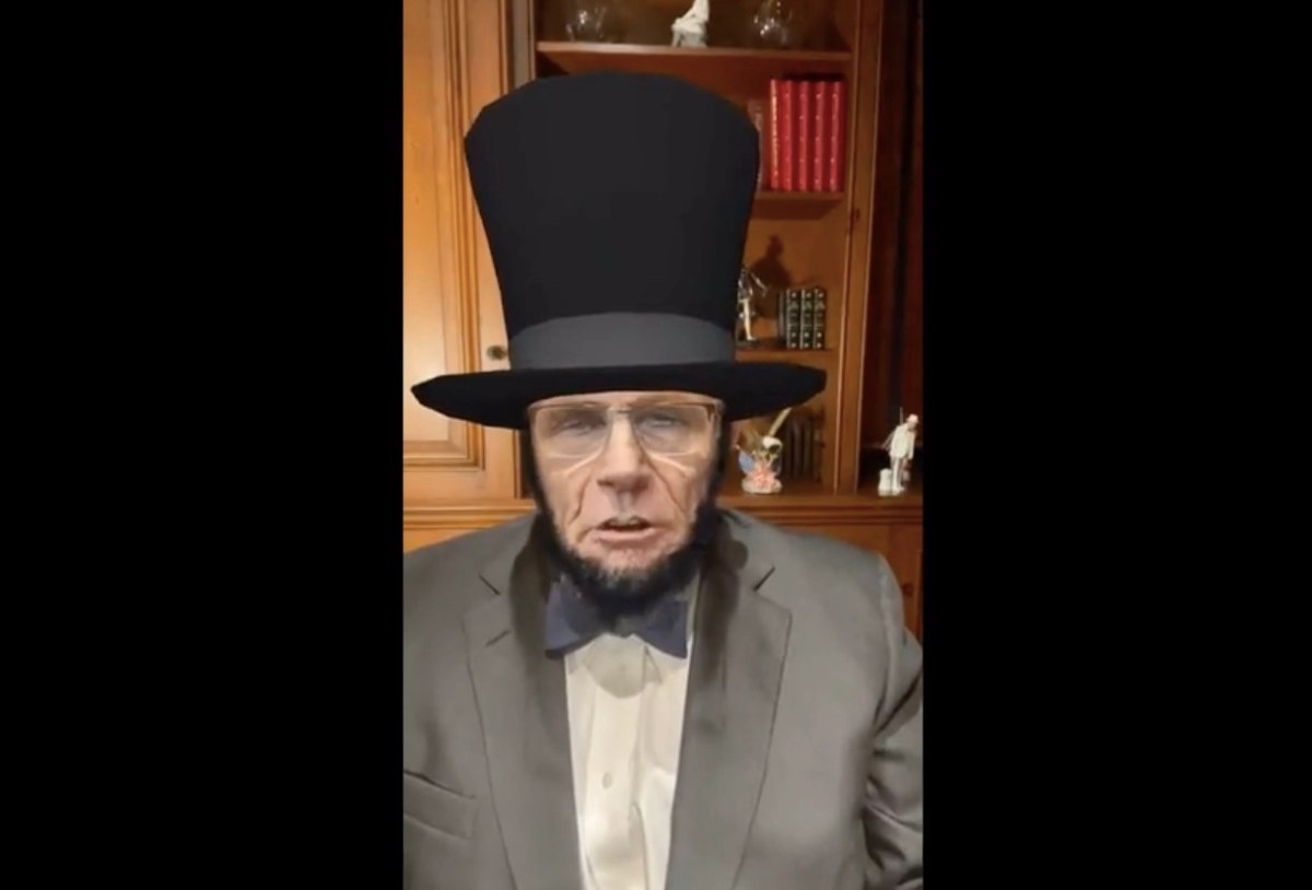 Uh-oh! Giuliani is acting strange in his den again, this time behind an Abe Lincoln filter | Boing Boing
