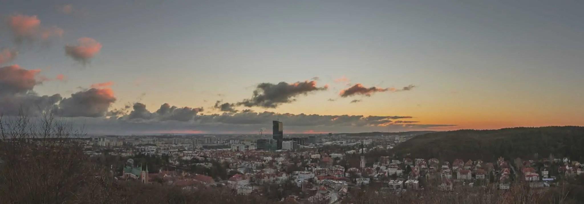 PO dodanie matowego efektu przez zmniejszenie kontrastu panorama Gdańska scaled - Emocje w fotografii czyli 12 sposobów na emocjonujące zdjęcia !
