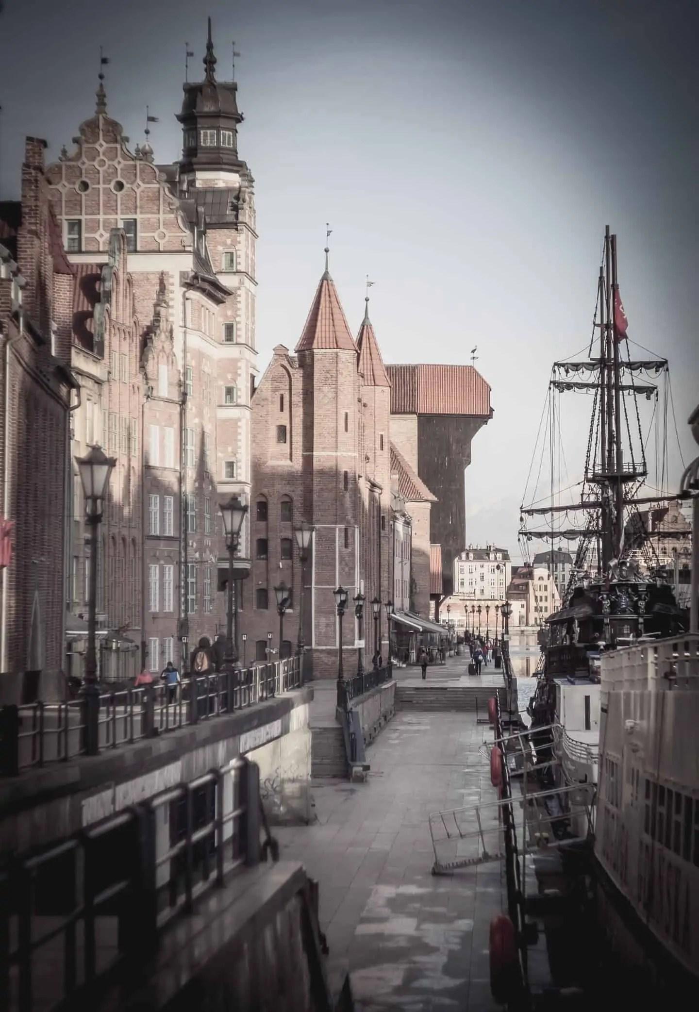 Gotycki Gdańsk pastelowe tablice LUT - Pastelowe presety do lightrooma - cała wiedza i ponad 7 filtrów