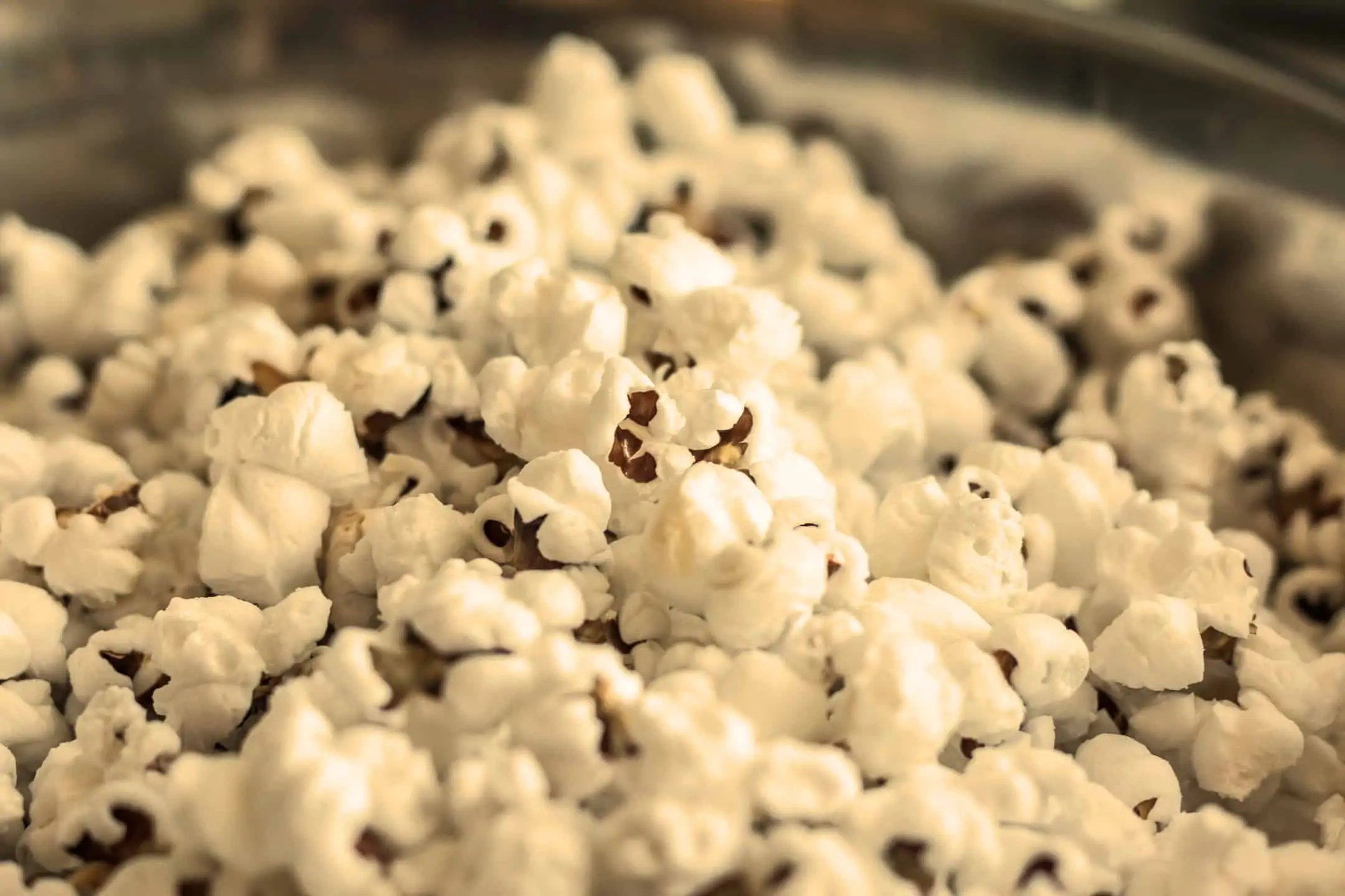 Zolty popcorn jest bardziej atrakcyjny niz niebieski - Emocje w fotografii czyli 12 sposobów na emocjonujące zdjęcia !