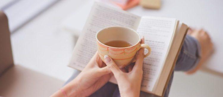 Leser noveller lesekos kaffekos bok bøker bokhøst