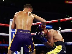 Vasiliy Lomachenko nokautuje Anthonego Crollę. (fot. Getty Images)