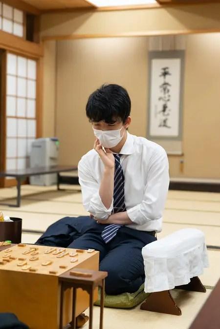 【まさかの交互飲みw】藤井聡太の「チューチュータイム」