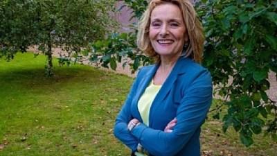 Wethouder Karin van Hunnik ( Larens Behoud) legt functie neer