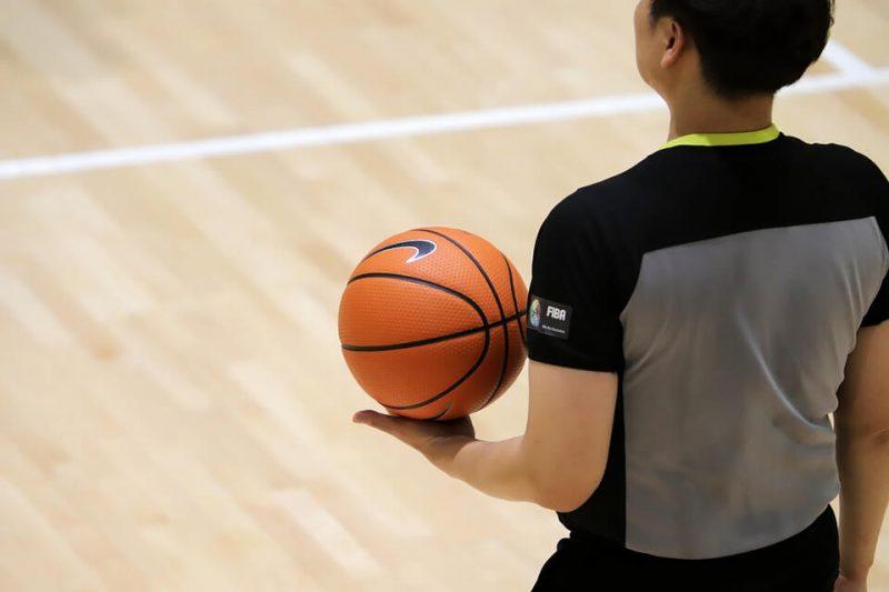 Wasit Bola Basket