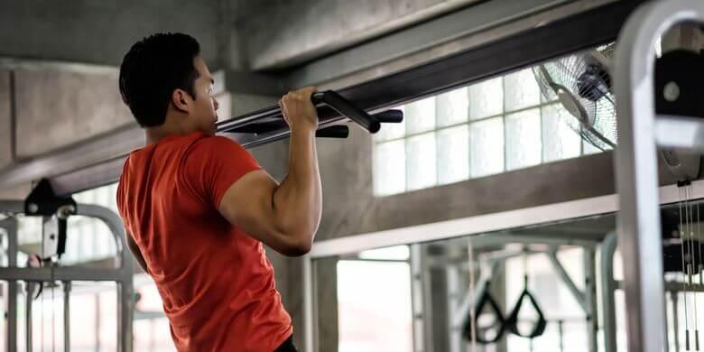 Latihan angkat tubuh