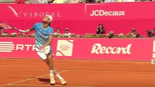 [Vídeo] O fabuloso gesto de Almagro após queda feia de Sousa