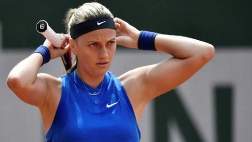 Petra Kvitova foi atacada e esfaqueada na sua própria casa e sofre graves lesões na mão