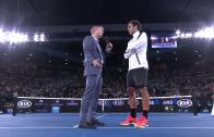 [Vídeo] Depois de arrasar em court, Federer 'roubou' o show na entrevista com Jim Courier