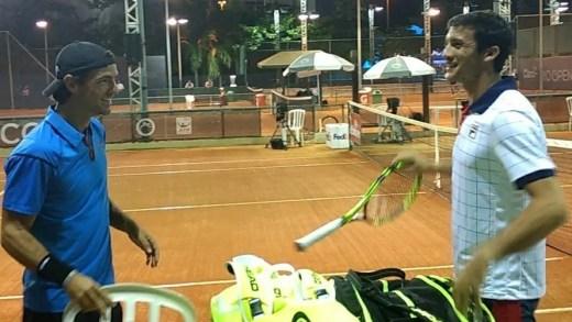 Gastão Elias salva dois match points e derrota amigo João Sousa nos pares do Rio Open