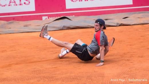 Pedro Sousa ficou a um ponto do sonho e é eliminado após ter dois match points em Roland Garros