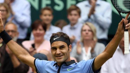 Federer joga MUITO, atropela Zverev em 53 minutos e conquista 9.º (!) título em Halle