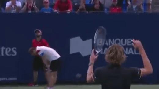 [VÍDEO] Inacreditável. Alexander Zverev salva match point em troca de bolas de 49 (!) pancadas