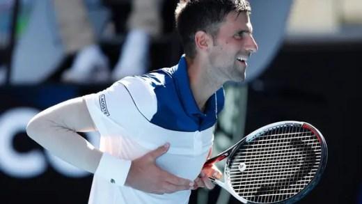 [VÍDEO] De vários ângulos: o ponto fantástico com que Djokovic pregou Young ao chão