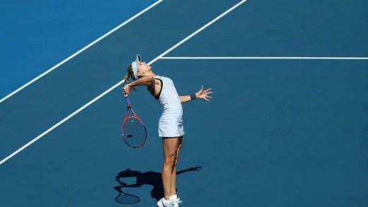 Genie Bouchard já leva 4 derrotas seguidas em 2018 e nem sabe com que raqueta vai jogar este ano
