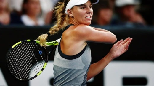Wozniacki despacha Martic e pressiona Halep pelo número um mundial