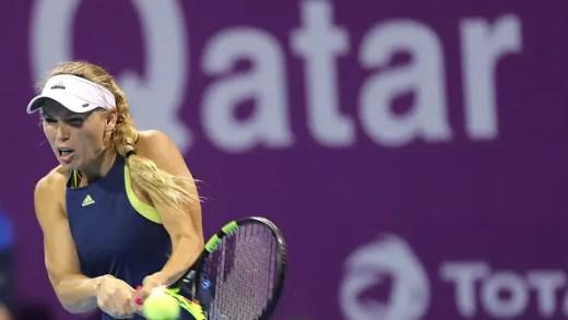Wozniacki joga muito para bater Kerber e vai continuar a ser LÍDER WTA