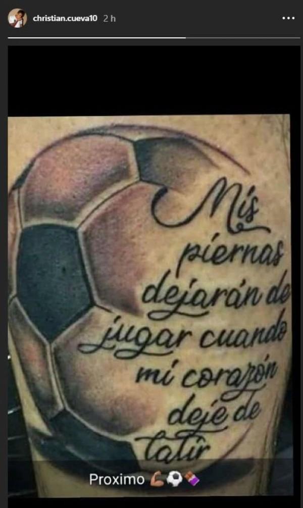 Tatuaje De Pelota De Futbol Con Frase En La Pierna Sfb