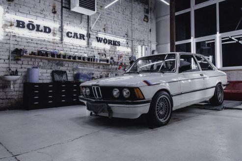 BOLD car works BMW E21 01