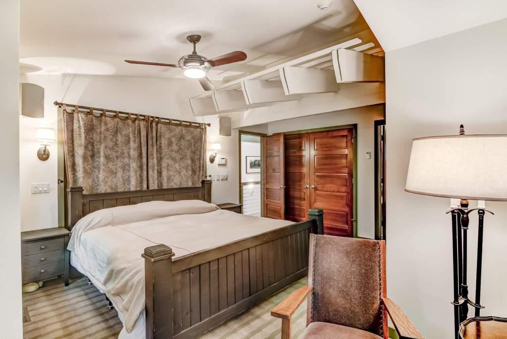21-06 - Master Bedroom-3-e (Custom)