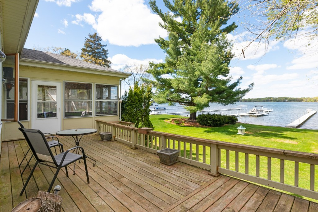 2579 S Shore Blvd, White Bear Lake (17)