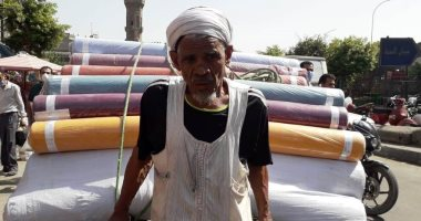 Photo of عم عاطف : 94 سنة حدوتة مصرية .. فيديو..