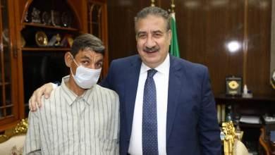 Photo of محافظ المنوفية يكرم محمود مرسى عامل النظافة بقويسنا