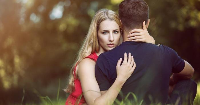 Miért könnyebb megcsalni valakit, mint elhagyni?