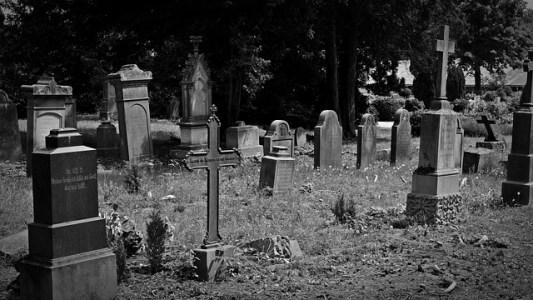 cemetery-1538646_640