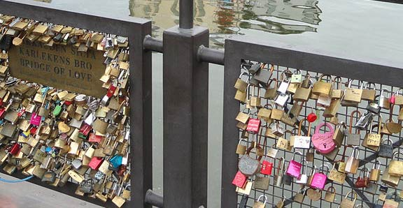 love locks on the Pod de Iubire Vesnica