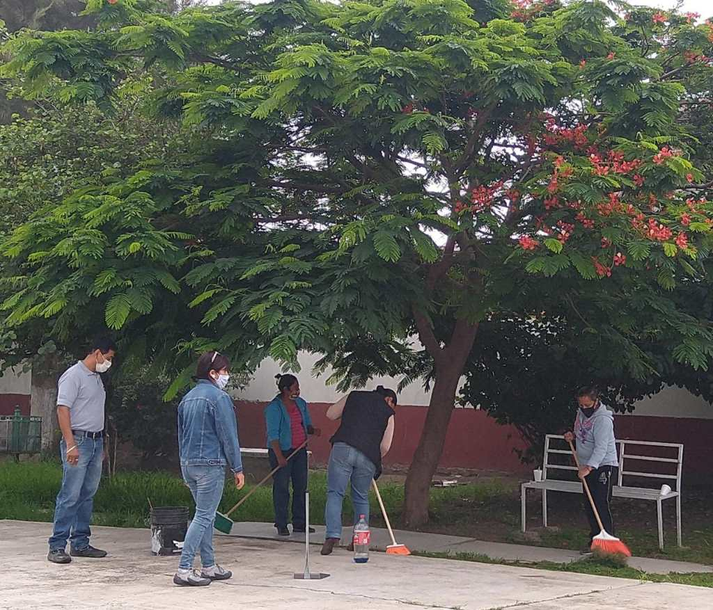 Escuelas de Celaya, en rehabilitación y limpieza_03