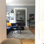 Stue Kunst Kunstprint Livingroom Inretning Veloursofa Stue Stueindretning Billeder Kunstvaeg Billedvaeg Boligcious