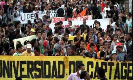 Universitarios convocan nueva marcha para el 31 de octubre