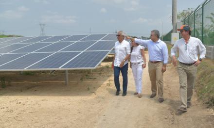 Presidente Iván Duque recorre la Granja Solar Celsia en Santa Rosa de Lima