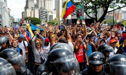 A lo legal   VENEZUELA: Legitimidad Constitucional Vs Colisión Humanitaria