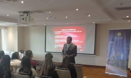 Coaching corporativo en ventas conferencia ofrecida por Manuel Quiñones a ejecutivos de Motorola Solutions