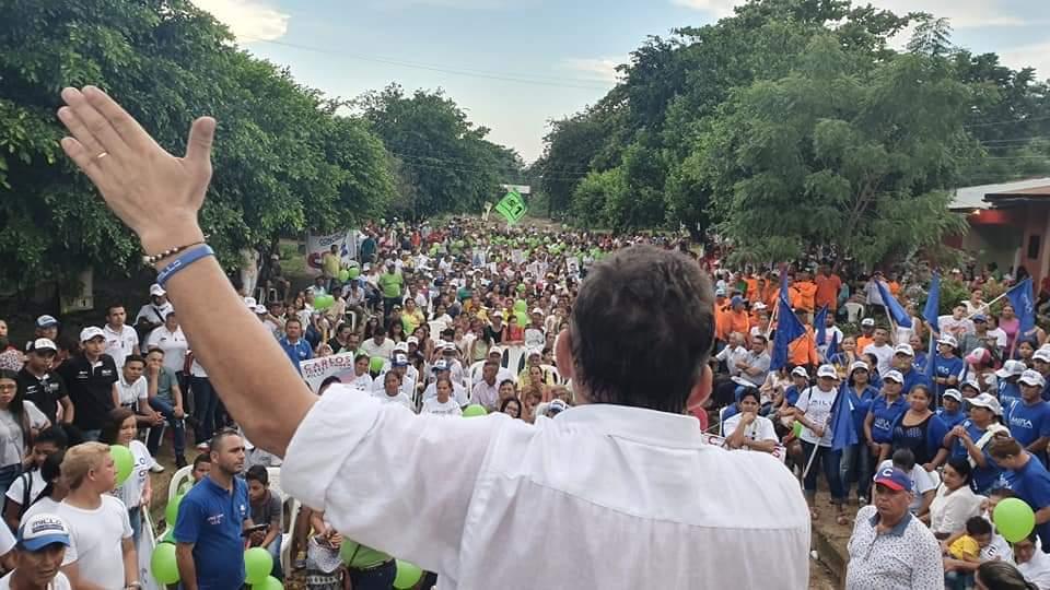 Cientos de personas se reunieron con 'El Millo' en el zonal de Nariño