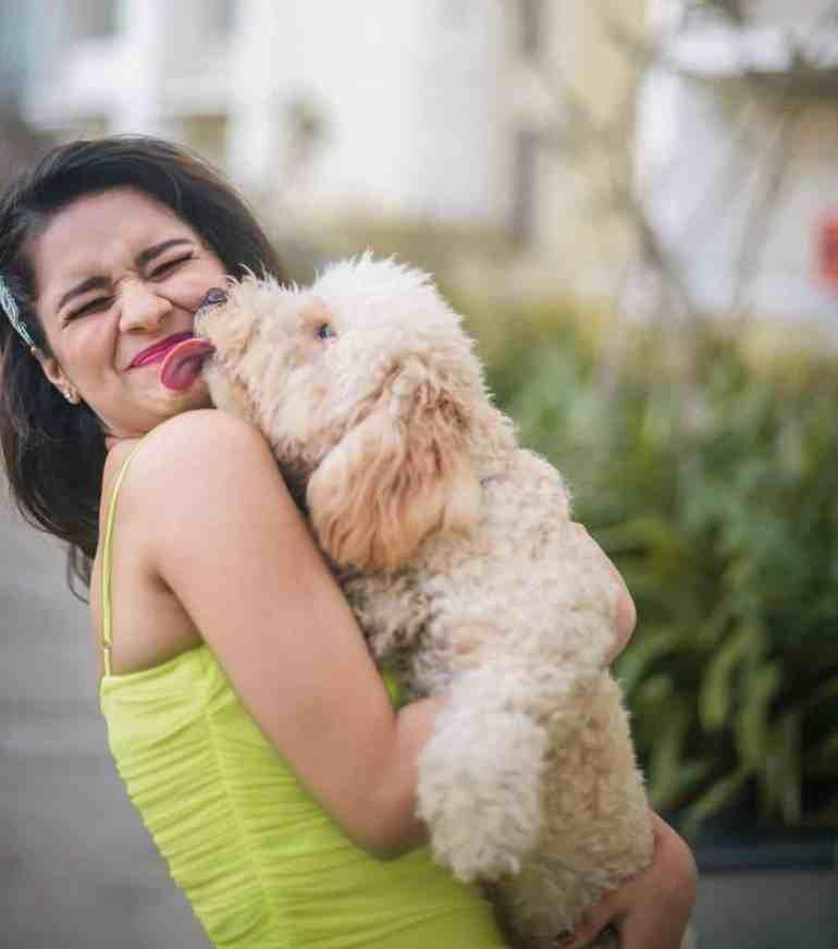 Avnnet Kaur love dogs