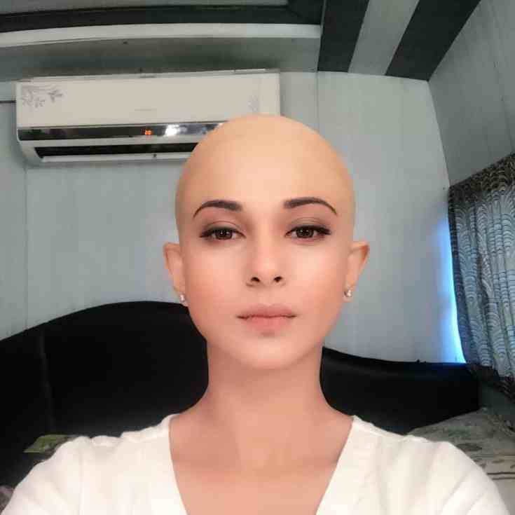 Jennifer Winget Hairless