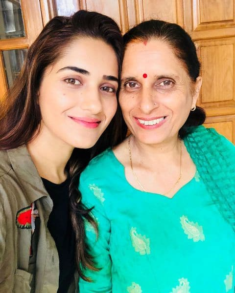 Ruhani-Sharma-mother