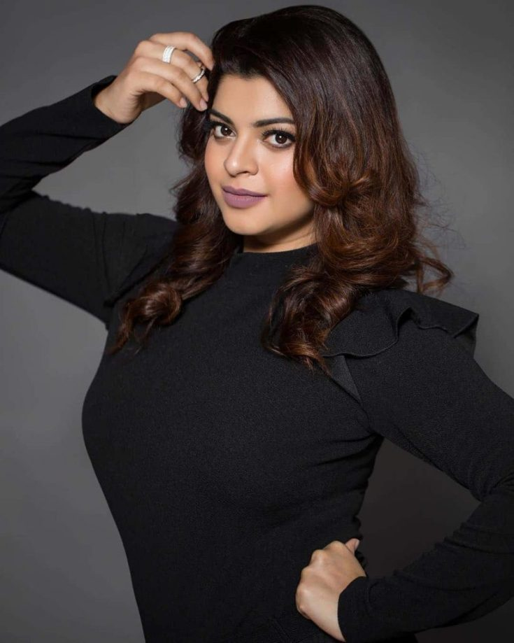 Sneha Wagh Pictures