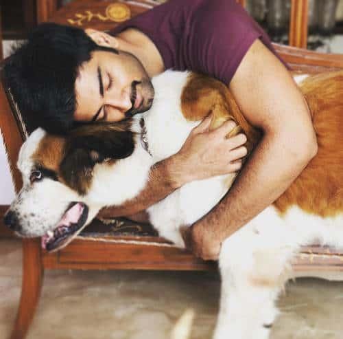 Atharvaa-Murali-love-dogs